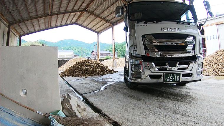 磁器土用の天草陶石搬入