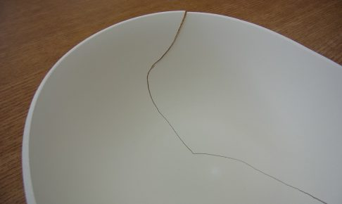 磁器土の乾燥後の割れ写真